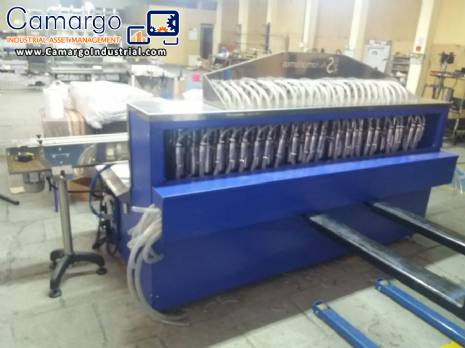 Large filling machine with 48 nozzles