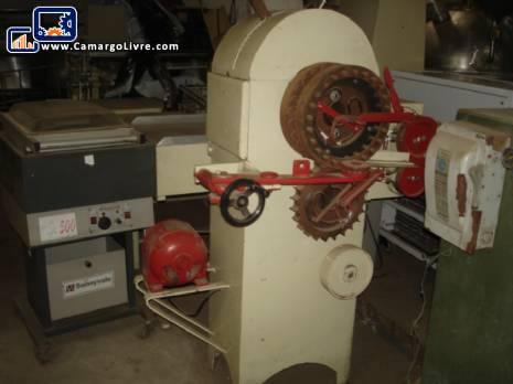 Rotary hard candy machine