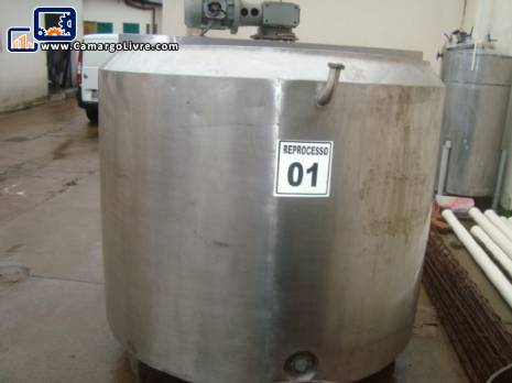 Tina of maturation to 1,700 litres stainless steel
