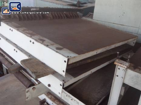 Set oven conveyor track cookies with directional table