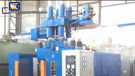 Vertical rubber injector