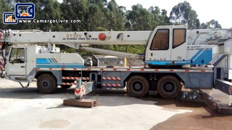Crane for 25 ton Zoom Lion
