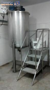 Tank with agitator for 500 litres stainless steel