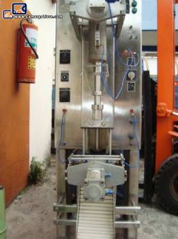 Filling machine for milk Emil