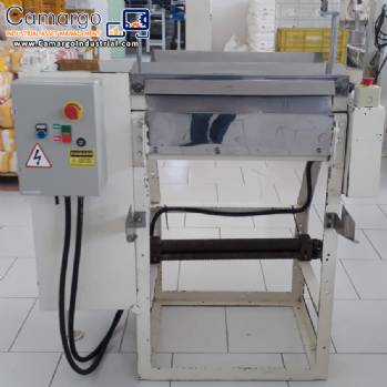 Electric mass cutting machine