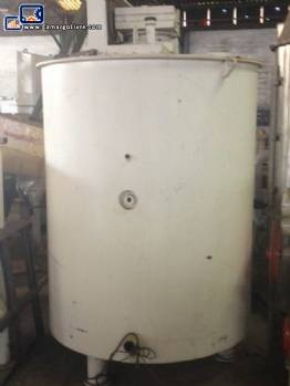 Tank with a capacity of 2400 litres