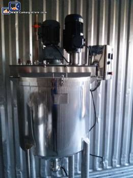 Stainless steel reactor tank with agitator MMC