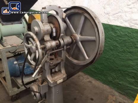 Machine compressor of tablets Neuberger