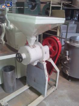 Terpan brand peanut mill